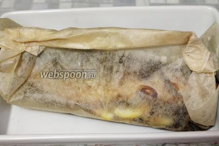 Бумагу укупорить и поставить в нагретую до 200°С духовку.