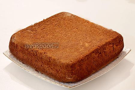 Нежный тыквенный бисквит готов. Он так похож своей нежностью на японский бисквит. Подавать к чаю или кофе.