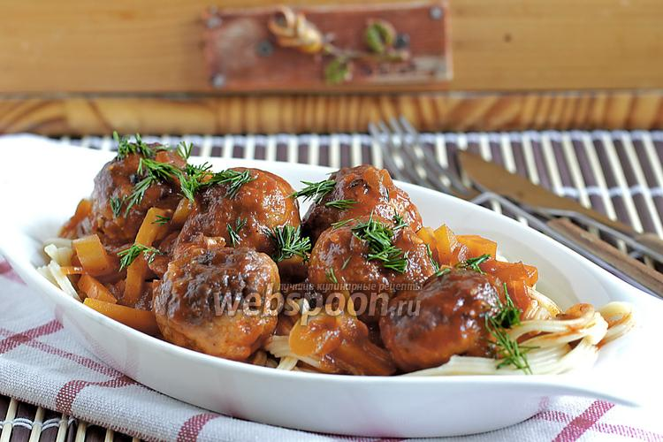 Рецепт Тефтели из говядины и курицы в томатно-овощной заливке