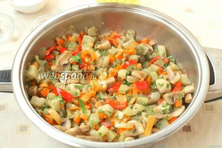 Для другого варианта: когда соте остынет, его можно посыпать зеленью и переложив из сковороды в подходящую посуду, охладить в холодильнике. Подать можно с картофелем или с мясными изделиями. Приятного аппетита!