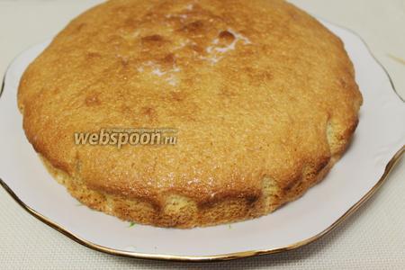 Поставить торт в прохладное место для пропитки на несколько часов (я вынесла на балкон часа на 3). Вкус — просто обалденный!