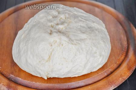Приготовить дрожжевое тесто по рецепту тесто для ватрушек.