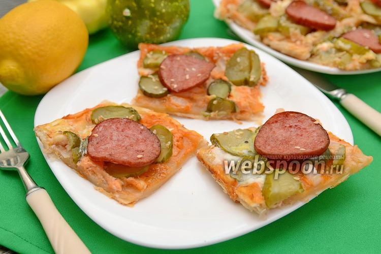 Фото Закуска с колбасой и солёными огурцами