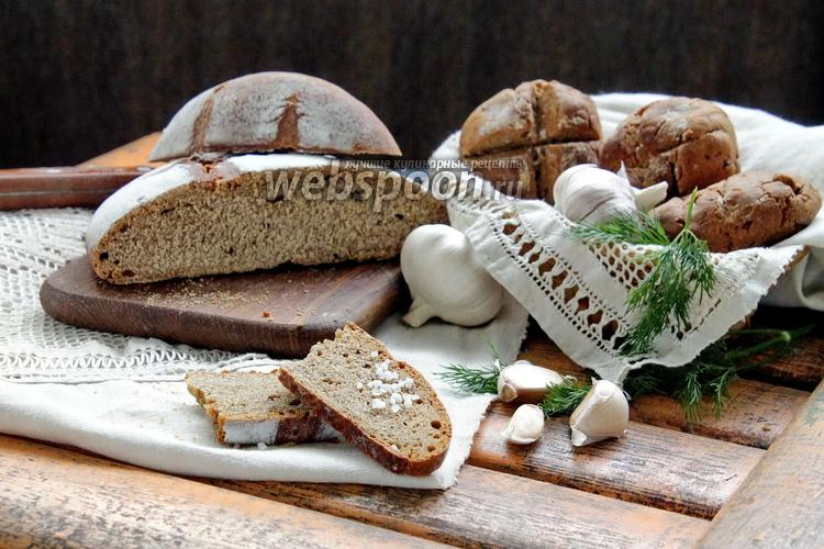 Фото Чёрный хлеб с чесноком