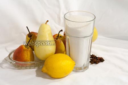 Подготовим все необходимые для варки варенья из груш продукты: плотные груши, лимон, бадьян, сахар и немного воды.