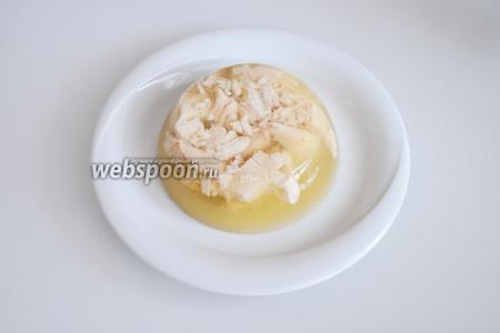 Перед подачей перевернуть форму на тарелку.