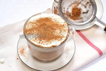 Посыпаем како и корицей. Кофе по-венски с шоколадом готов. Наслаждаемся.