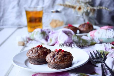 Маффины-брауни с арахисом, малиной и годжи