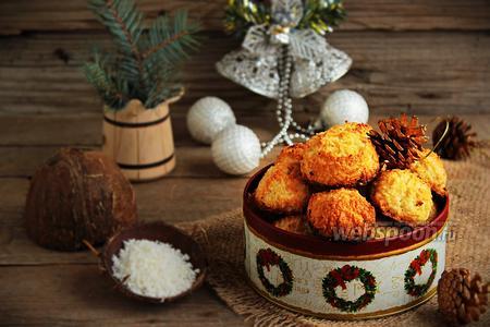 Кокосовое печенье с вишней