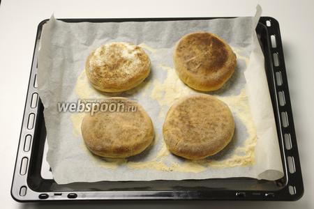 Далее закончите приготовление маффинов в духовке при 180°С в течение 5-10 минут.
