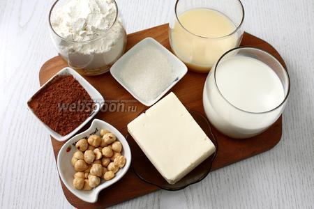 Для приготовления кекса нам понадобятся следующие ингредиенты: яйца куриные, мука пшеничная, разрыхлитель, масло сливочное, сахар, молоко, шоколад, фундук, ликёр ванильный, какао порошок, кофе и вода.