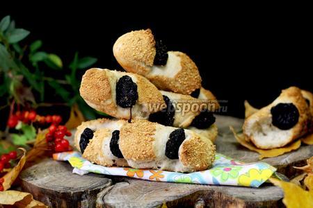 Булочки с черносливом, в хлебопечке