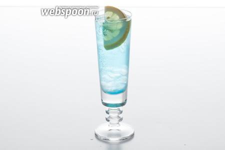 Декорируем напиток лимонной долькой и улетаем в мечтах на берега голубой лагуны!