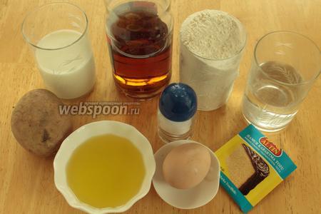 Для приготовления рулета нужно взять муку, яйцо, масло, уксус, молоко, воду, соль, картофель.