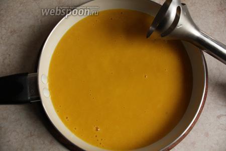 Суп измельчить в пюре.