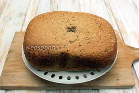 Выложить хлеб из чаши хлебопечки на решётку, накрыть чистым полотенцем и дать остыть. Овсяный хлеб в хлебопечке готов. Приятного аппетита!