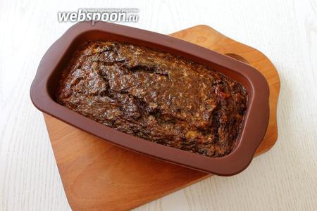 Запекаем при 180°С в течении 30-35 минут до готовности, ориентируйтесь по своей духовке. Готовый пирог освобождаем от формы. При подаче нарезаем на порции. Приятного аппетита!