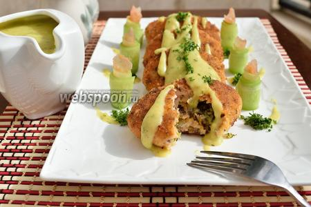Котлеты из лосося с картофельной подливкой