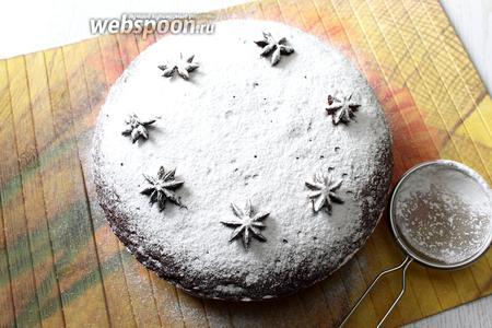 По желанию посыпаем сахарной пудрой. Для рисунка «звёздочки» я положила бадьян.