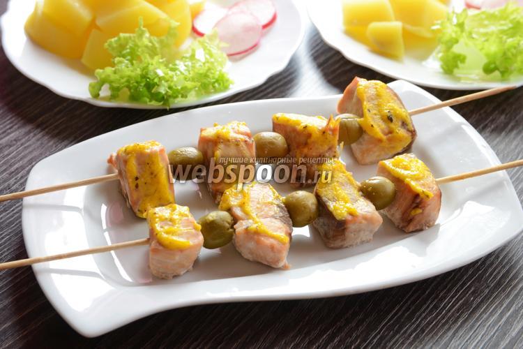 Рецепт Кета запечённая под сырным соусом на шпажках