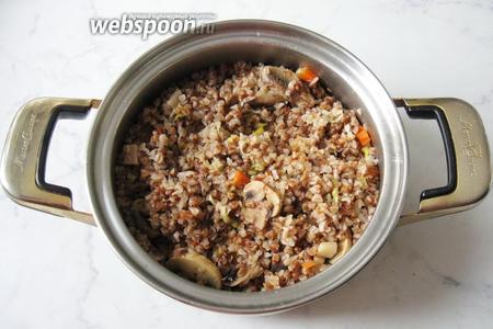 Гречневая каша с грибами и луком-пореем готова.   Ароматная, рассыпчатая, вкусная и полезная.