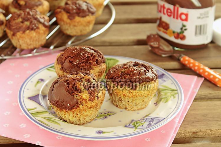 Рецепт Бананово-овсяные маффины с шоколадной пастой