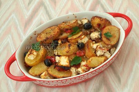 Запекать блюдо 10 минут под грилем. Картофельная сковорода по-гречески готова. Можно звать домочадцев к столу. Приятного аппетита!
