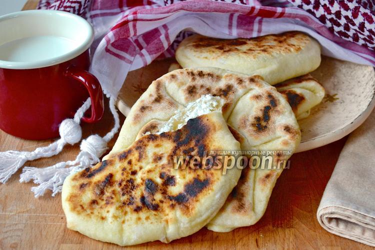 Рецепт Лепёшки Наан с сыром (Cheese Naan)