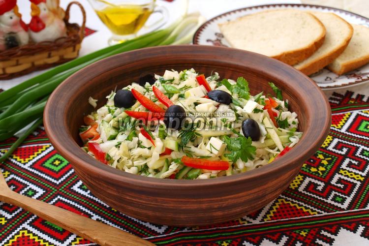 Рецепт Салат с капустой, огурцом, яблоком и брынзой