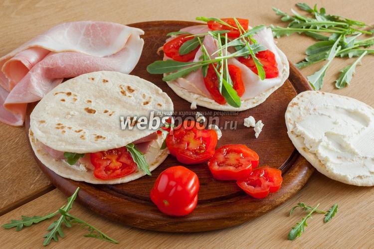 Рецепт Лаваш с ветчиной, сыром и рукколой