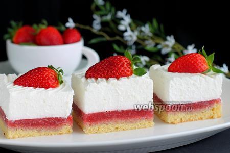 Пирожные «Клубника со сливками»