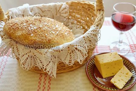 Такой хлеб сам по себе хорош и прекрасен! Итальянцы едят чиаббату с хорошим вином и сыром.