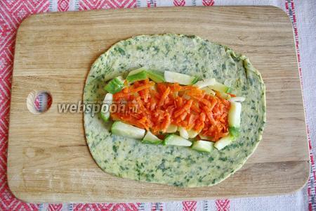 На картофель морковь и кабачок.