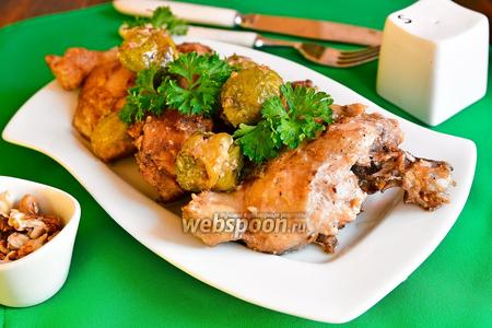 Курица с орехами и брюссельской капустой
