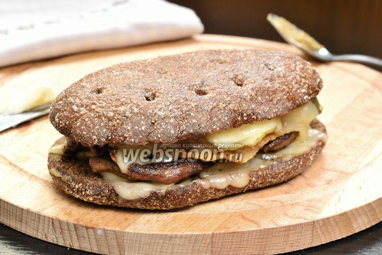 Фото Сэндвич тёплый с утиным филе