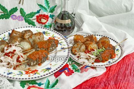 Кюфта-кебаб с луково-гранатовым салатом