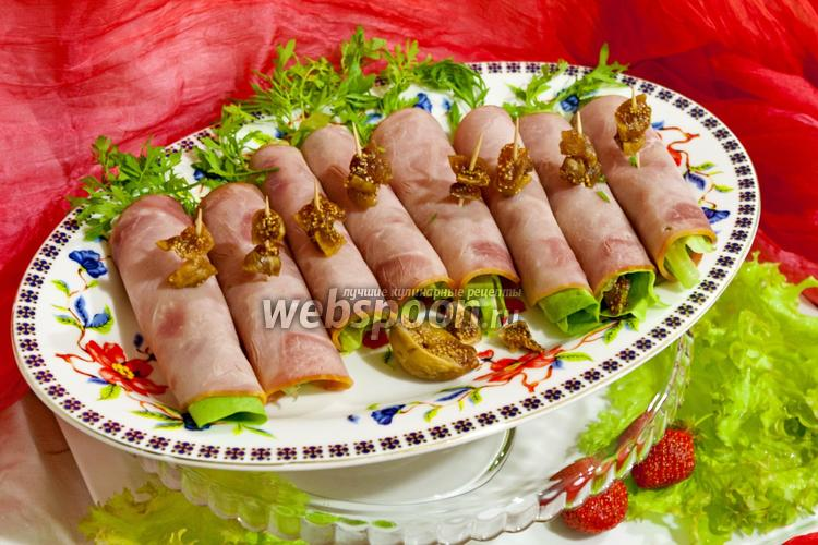 Фото Рулетики из ветчины с инжиром и сыром Дор Блю