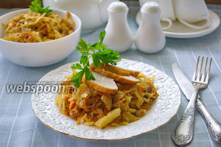 Рецепт Капуста тушёная с куриной грудкой и молоком