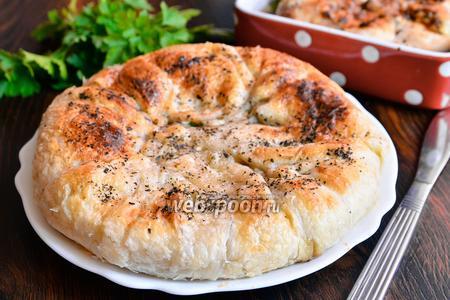 Осетинский пирог с зеленью, грибами и фаршем