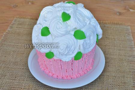 Украсим ими торт.