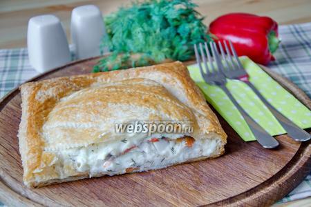 Слоёный пирог с морским окунем и овощами