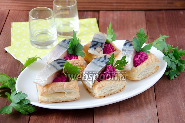 Рецепт Закуска с солёной скумбрией и свёклой