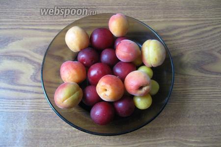 Фрукты помыть. Отобрать некондиционные плоды.
