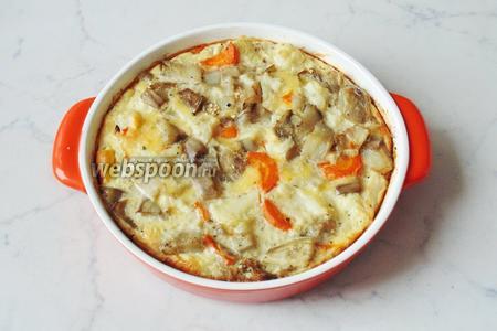 Поставить форму с овощами в духовку и запекать при температуре 175-180°С 30-35 минут. Запеканка из белых баклажанов и цветной капусты готова. Подавать на завтрак, обед или ужин. Вкусно в тёплом и в холодном виде.