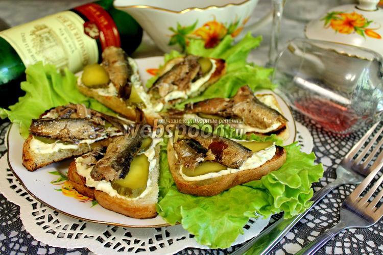 Рецепт Бутерброды со шпротами «Закусочные»
