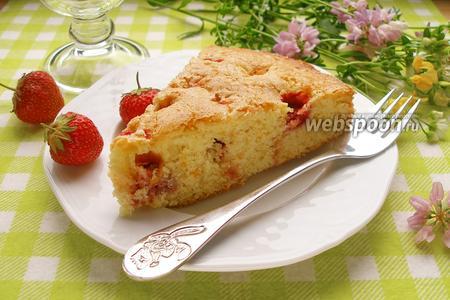 Сахарный клубничный пирог