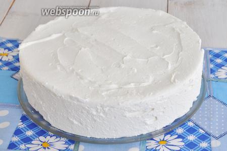 Вынем торт из формы. Суфле выходит много.