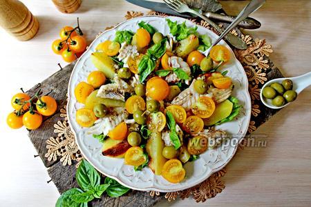 Салат с запечённым картофелем и рыбой