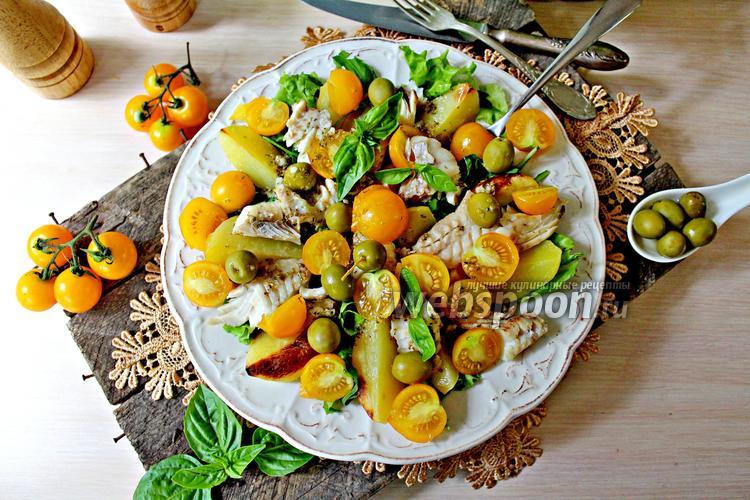 Рецепт Салат с запечённым картофелем и рыбой