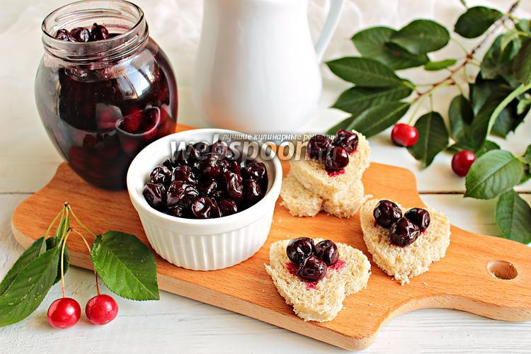 Рецепт Варенье из вишни с корицей